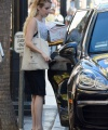 emma-roberts-makeup-free-out-in-la-09-24-2018-3.jpg